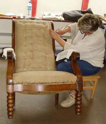 atelier tapisserie d 39 ameublement. Black Bedroom Furniture Sets. Home Design Ideas